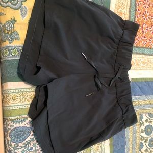 On the Fly Luxtreme Shorts EUC
